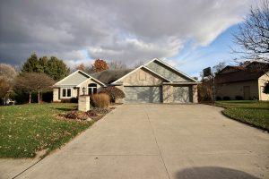 Featured image of property at 2109 Lake Ridge Dr. Fort Wayne, IN 46804