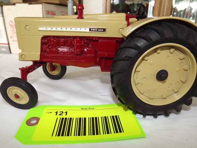 2020 PA Farm Show 1//16 International Harvester Farmall 400 w// Loader by SpecCast