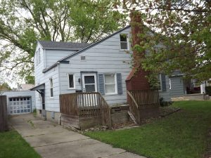 Featured image of property at 438 Lincoln Ave.
