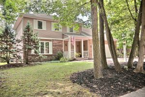 Featured image of property at 1425 Windsor Woods Blvd. Fort Wayne, IN 46845