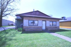 Featured image of property at 2524 E. Pontiac St.